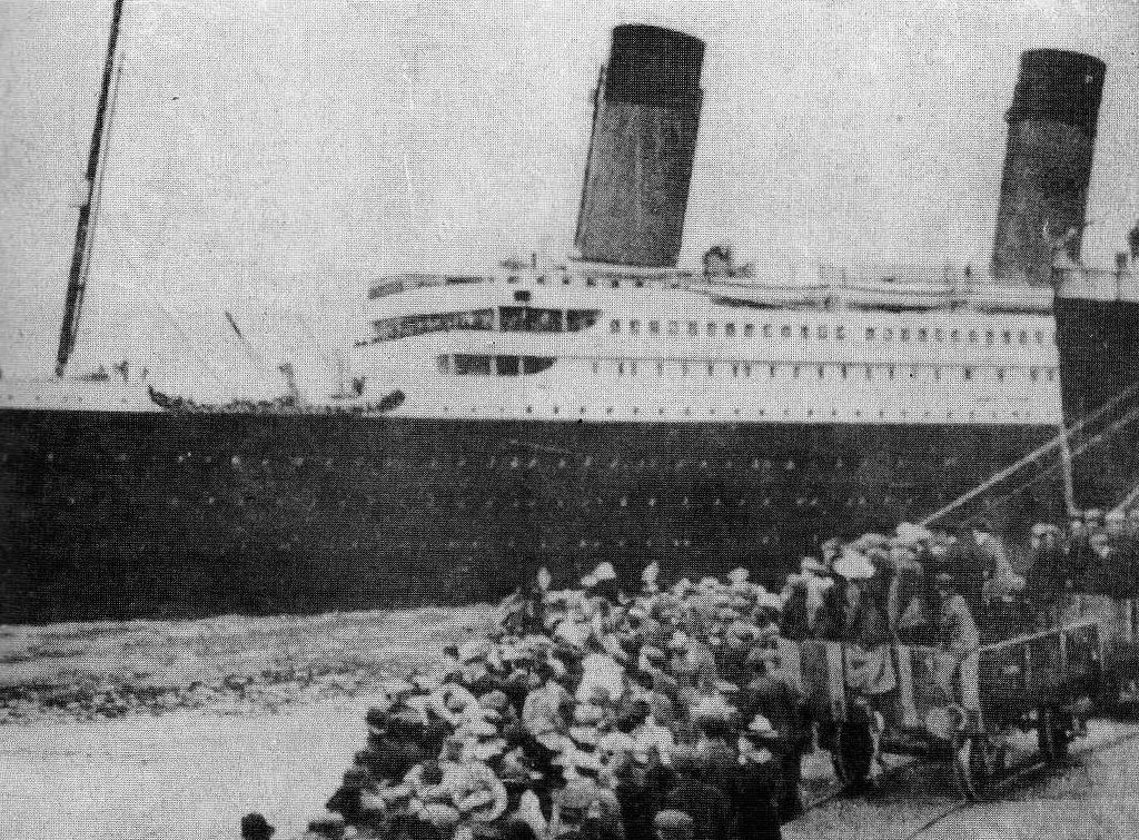 """Roberta """"Cissy"""" worked on the ship, but not as a white star line employee."""